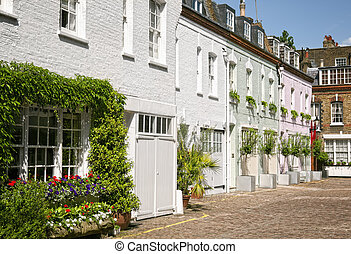 Cosy mews houses at Notting Hill