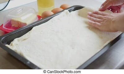 cooking meat pie time lapse - time lapse of cooking pie