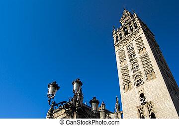 sevilla, catedral, con, el, Giralda, torre, en, sevilla