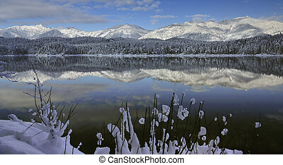 eibsee lake reflection in the winter