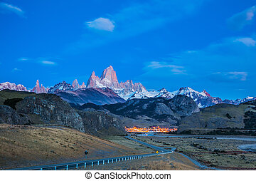 The village of El Chalten at dusk - Amazing Patagonia in...