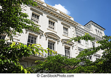 Elegant apartment building in Notting Hill, London