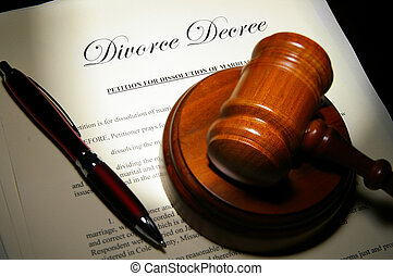 Divorce papers and pen with judge\'s legal gavel
