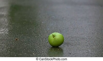 Green apple exploding. 500 fps super slow motion shot -...