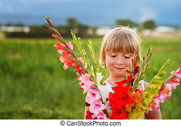 hermoso, lindo, poco, colorido, niño, ramo, Gladiolas,...