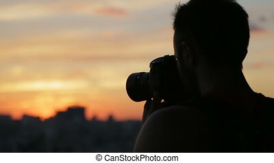 Photographing at sunset with DSLR camera