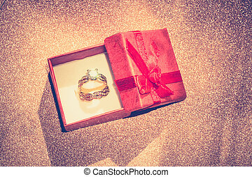 Golden Ring and Gift Box Retro - Diamond ring of gold in a...