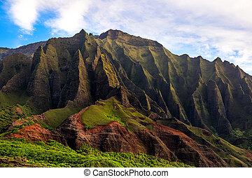 Detail landscape view of Na Pali rugged cliffs, Kauai -...