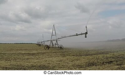 Automated agricultural center pivot