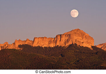Moonrise over Courthouse Rock - Summer Full moon rising over...