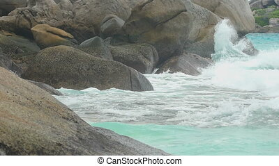 Turquoise rolling wave, slow motion - Turquoise rolling wave...