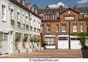 Cosy  mews houses in Chelsea, London, England, UK