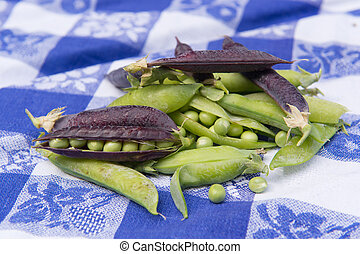 Open green peas and marrowfat peas - open green and marrow...