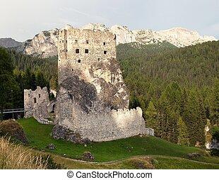 Castello or Castle Buchenstein, Italien European Alps -...