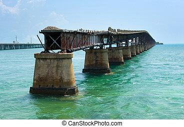 Bahia Honda Rail Bridge - The Old Bahia Honda Rail Bridge at...