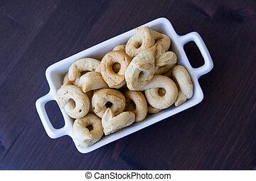 de madera, Rosquillas de pan, cerámico, sobre, tabla, pequeño, vistos, bandeja