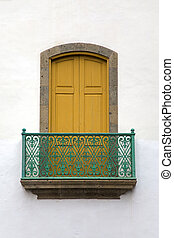 Gran Canaria window - Colonial house facades with window in...