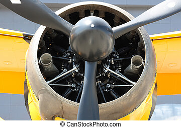 Bristol Mercury XXX 870 hp engine and propeller of Army...