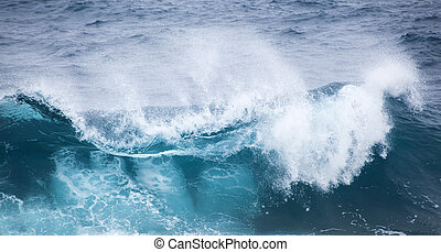 ocean waves breaking - powerful foamy ocean waves breaking...