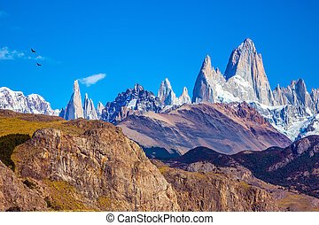 Fitzroy Mountains covered midday sun - Amazing Patagonia in...