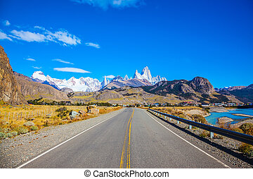 Highway to the majestic Mount Fitz Roy - Argentine Patagonia...