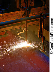 Metal cutting with acetylene
