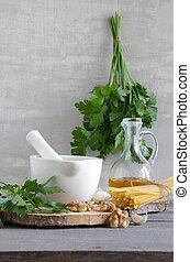 Pesto mit Petersilie und Walnuss