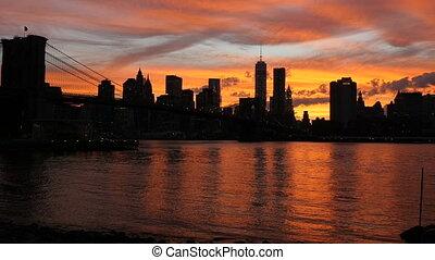 Brooklyn Bridge sunset - Sunset on the Brooklyn Bridge, New...