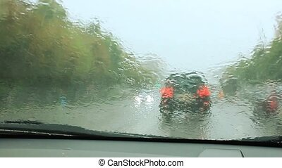 Raindrops on the windshield of the car HD