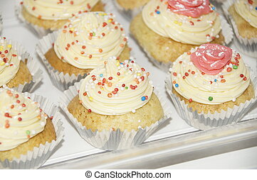 tray with cupcakes