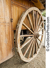 Wagon wheel - old wagon wheel - Manta - Ecuador