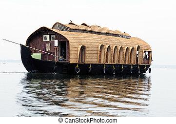 House Boat - A Luxury Houseboat in backwater of Kerala