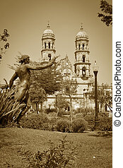 Tourist monuments of the city of Guadalajara - Monuments of...