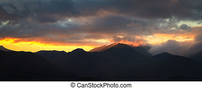 Sunset lake district - Sunset over the fells in the lake...