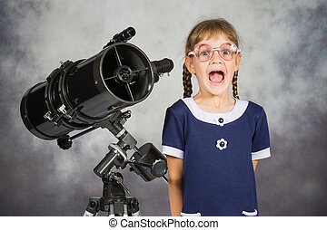 Girl astronomer happily surprised by what he saw in the...