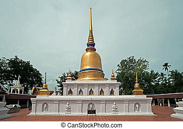 golden stupa, the buddhist religious monument