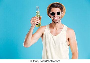 óculos de sol, garrafa, Cerveja, segurando, homem, chapéu,...