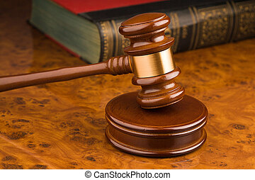 Court Hammer -