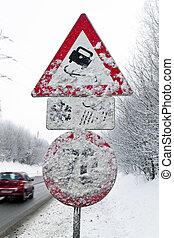 Verscheites road skidding in winter - A verscheites road...