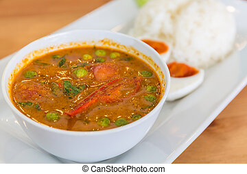 Red curry with roasted duck (Kaeng Pled Ped Yang). - Red...