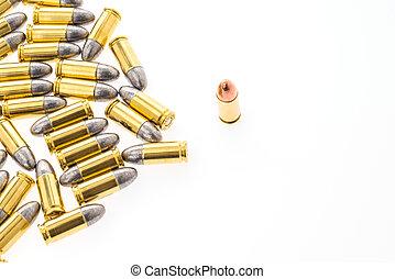 9 Mm, bala, para, arma de fuego, en, blanco, Plano de fondo