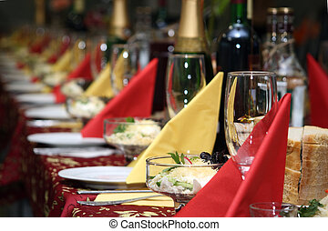 The table covered by a holiday with drinks