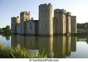 Bodiam Castle reflected in moat - The picturesque Bodiam...