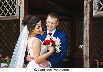 Wedding couple in a garden