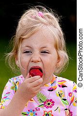 niño, comida, fresa, jardín