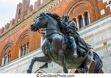 Palazzo Gotico and statue of Ranuccio Farnese Piacenza,...