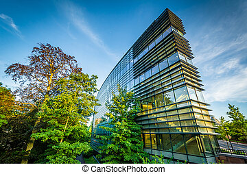 Modern building on the campus of Yale University, in New...