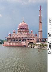 Putra Mosque, Putrajaya, Malaysia - Beautiful pink Putra...