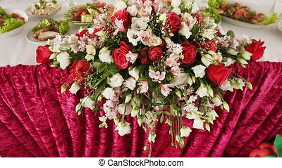 Beautiful flowers for a wedding table