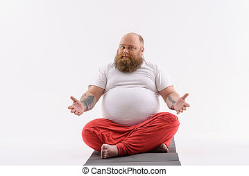 Join me to meditate together - Joyful fat man is preparing...
